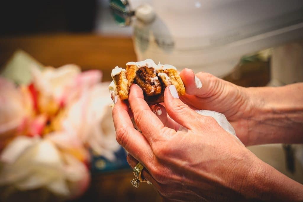 protein cinnamon rolls - close up texture
